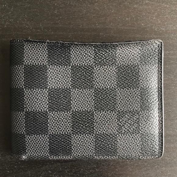 3069e73c2b44b Louis Vuitton Other - Authentic Louis Vuitton Wallet Damier